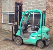 2006 Mitsubishi  Counterbalanced FD15N Diesel Forklift for Sale